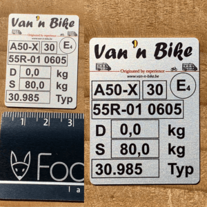 Aluminium typeplaat voor fietsdragers, zeer klein formaat (3x2 cm)