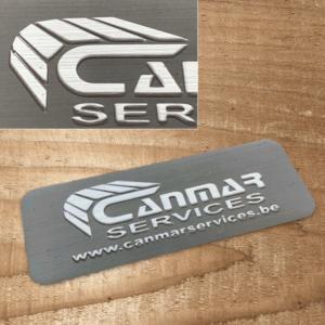 gepreegd aluminium naamlabel voor rolluiken en garagedeuren